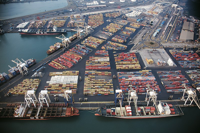 The container port in Durban. Image credit: Wikimedia Commons | Media Club